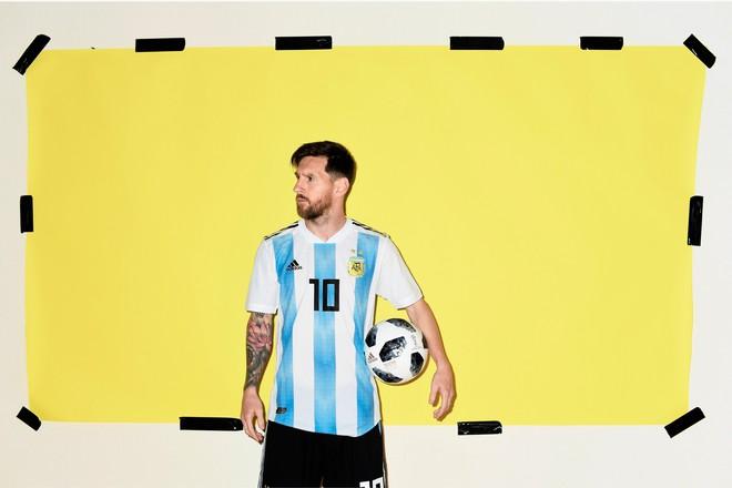 Ảnh chân dung cực nét của Ronaldo, Messi, Neymar và các ngôi sao lớn nhất World Cup 2018 - Ảnh 1.