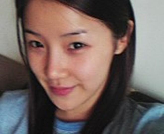 Nhìn lại ảnh xưa của Park Bom mới thấy, dù thẩm mỹ hay không thì makeup nhạt vẫn là xinh nhất - ảnh 8