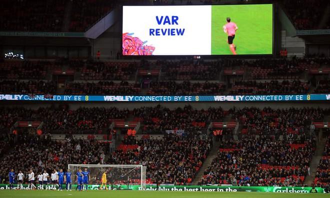 Fan bóng đá toàn thế giới nói gì khi World Cup sử dụng công nghệ trọng tài video (VAR)? - ảnh 3