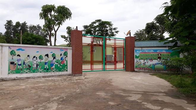 Các cô giáo quỳ xin đừng đóng cửa cơ sở mầm non: Đại diện nhà trường khẳng định là hành động bột phát, xuất phát từ tình cảm cá nhân - ảnh 2
