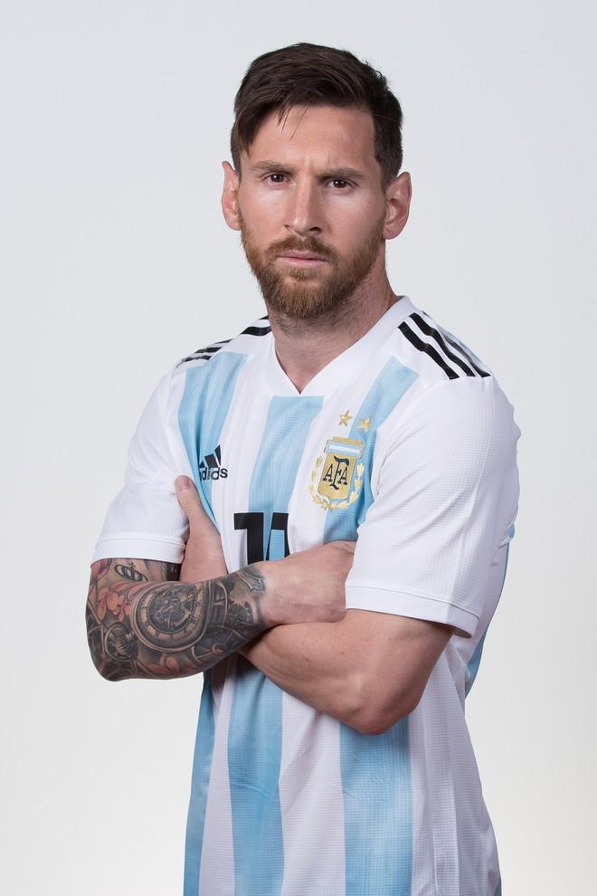 Ảnh chân dung cực nét của Ronaldo, Messi, Neymar và các ngôi sao lớn nhất World Cup 2018 - ảnh 2