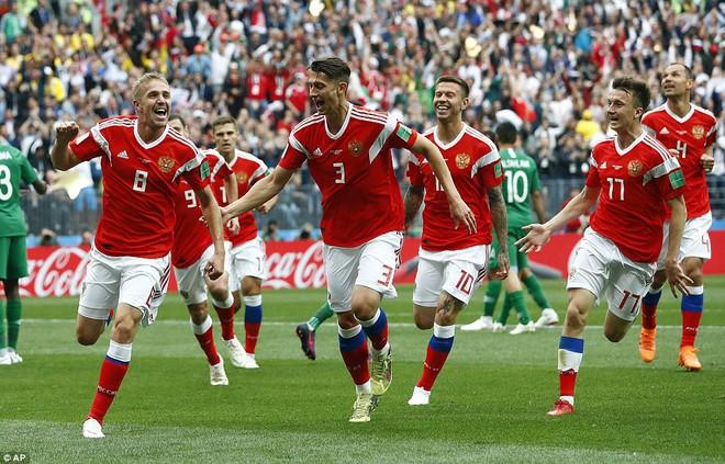 Điều ít biết về tiền vệ điển trai lập tuyệt phẩm trận khai mạc World Cup 2018 - ảnh 1