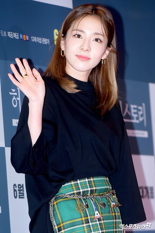Sự kiện hội tụ gần 30 sao Hàn: Mẹ Kim Tan lép vế trước Kim Hee Sun, Jung Hae In nổi bật giữa dàn sao nhí một thời - ảnh 17
