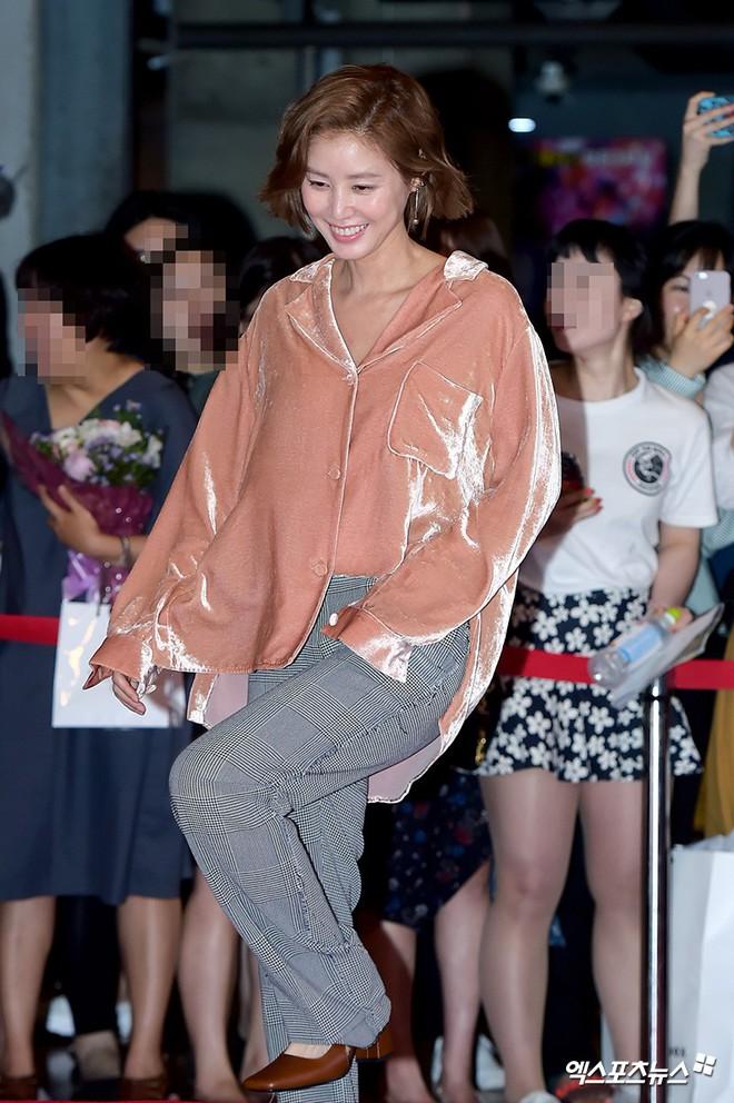 Sự kiện hội tụ gần 30 sao Hàn: Mẹ Kim Tan lép vế trước Kim Hee Sun, Jung Hae In nổi bật giữa dàn sao nhí một thời - ảnh 8