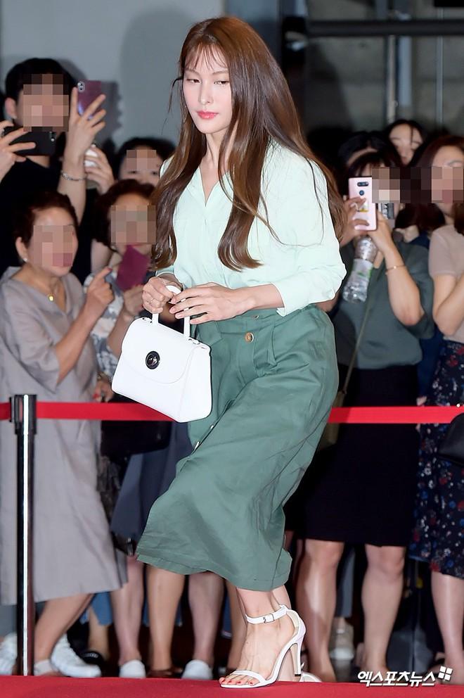 Sự kiện hội tụ gần 30 sao Hàn: Mẹ Kim Tan lép vế trước Kim Hee Sun, Jung Hae In nổi bật giữa dàn sao nhí một thời - ảnh 20