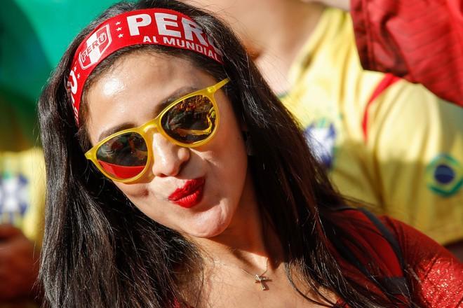 Fan cuồng là đây: Quyết tăng 24 kg để mua được vé xem World Cup 2018 - Ảnh 1.