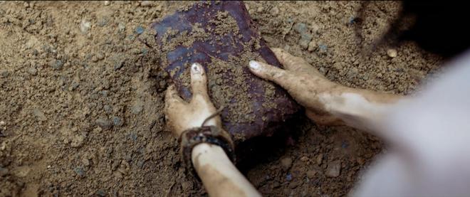 Ả đào Jun Vũ hứa hẹn lột xác bằng cảnh nóng với Quách Ngọc Ngoan trong Người Bất Tử - ảnh 2
