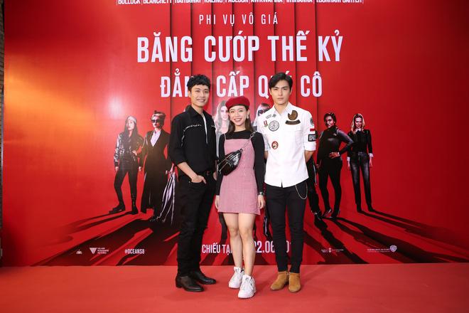 Cô trò Minh Tú - Khánh Linh diện đồ hở chặt chém đi xem phim của dàn chị đại Ocean's 8 - ảnh 16