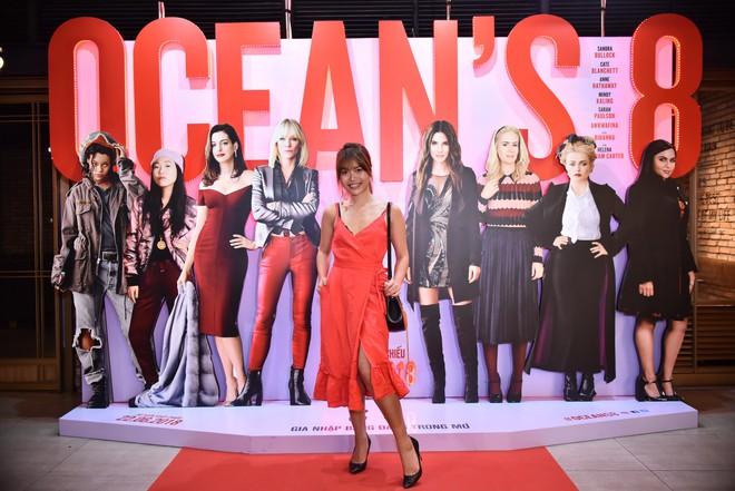 Cô trò Minh Tú - Khánh Linh diện đồ hở chặt chém đi xem phim của dàn chị đại Ocean's 8 - ảnh 18