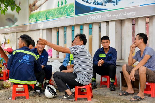 """Người Sài Gòn thích thú với dàn thần tình yêu đi """"xế siêu ngầu"""" vòng quanh thành phố - Ảnh 11."""