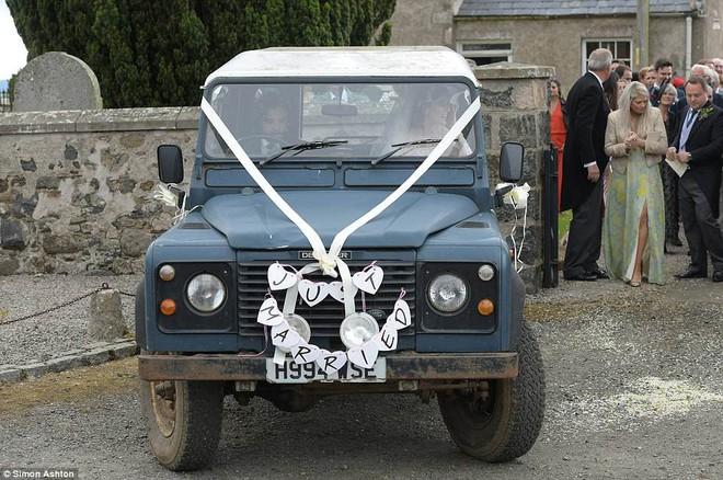 Loạt sao xúng xính váy áo dự đám cưới đẹp như mơ của Jon Snow và Ygritte phim Game of Thrones - ảnh 15