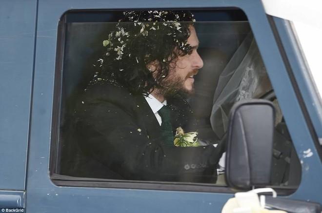 Loạt sao xúng xính váy áo dự đám cưới đẹp như mơ của Jon Snow và Ygritte phim Game of Thrones - ảnh 14