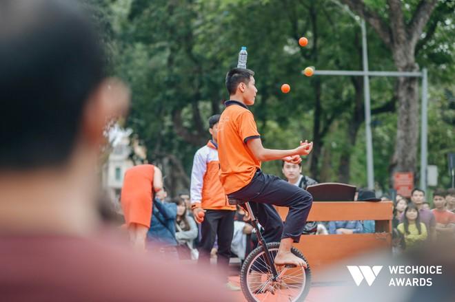 Phía sau hành trình kỳ diệu của một cậu bé tự kỷ trở thành Kỷ lục gia xiếc Việt Nam: Bây giờ mọi người nói thế nào, không quan trọng nữa! - Ảnh 6.