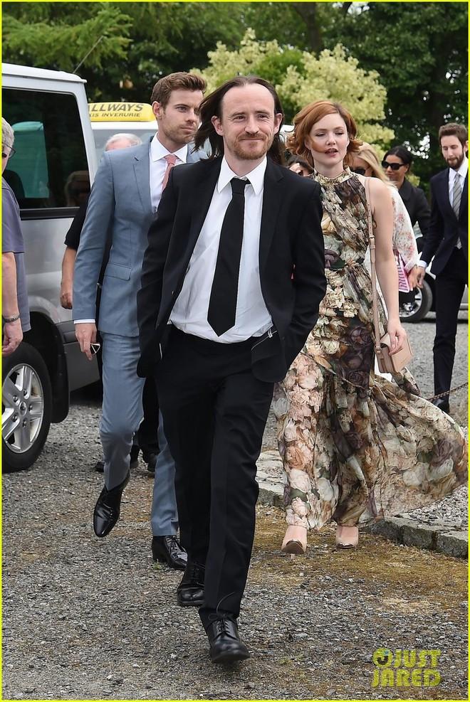 Loạt sao xúng xính váy áo dự đám cưới đẹp như mơ của Jon Snow và Ygritte phim Game of Thrones - ảnh 9