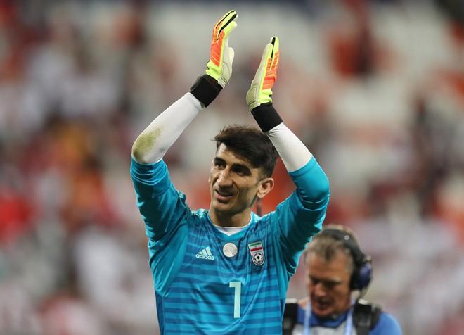 Thủ môn Iran khiến Ronaldo ôm hận từng vô gia cư và bị xem là ăn mày 3