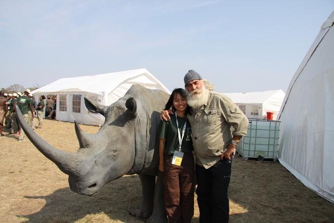 Cô gái tê giác Nguyễn Thu Trang: Cô gái bé nhỏ mang trong mình tình yêu khổng lồ với động vật hoang dã - Ảnh 1.