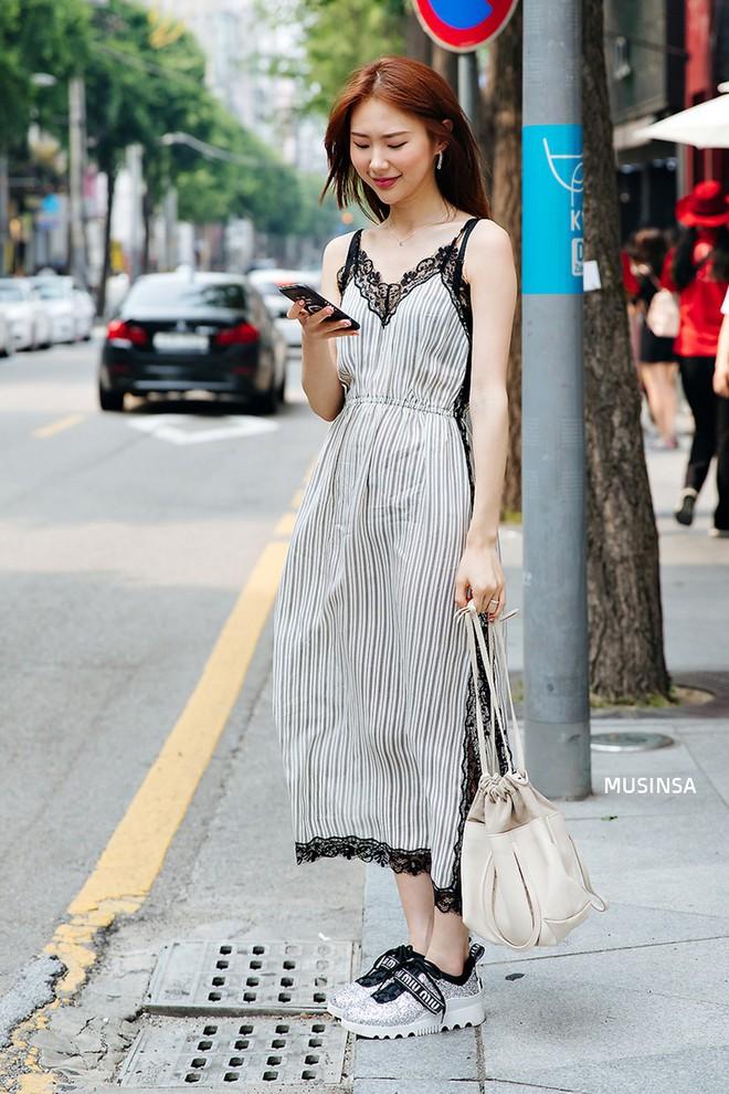 Chỉ quanh quẩn với vài công thức tầm thường mà giới trẻ Hàn vẫn gây xuýt xoa vì mặc quá đẹp - Ảnh 10.