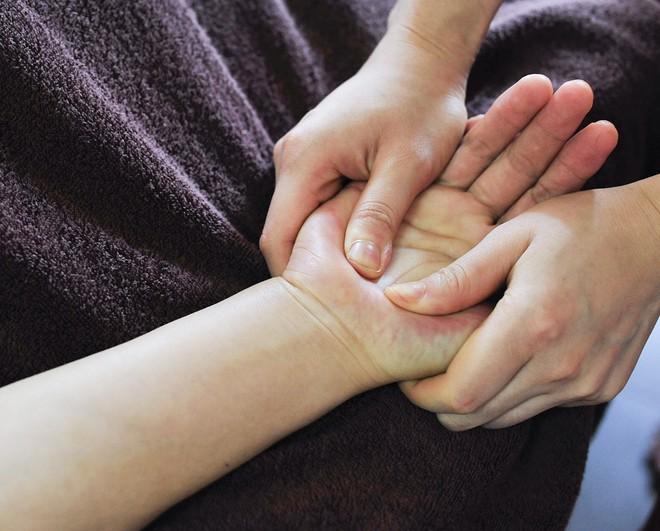 Đừng chủ quan, thói quen cắn móng tay có thể gây ra những hậu quả khôn lường cho sức khỏe mà bạn không ngờ tới - ảnh 2
