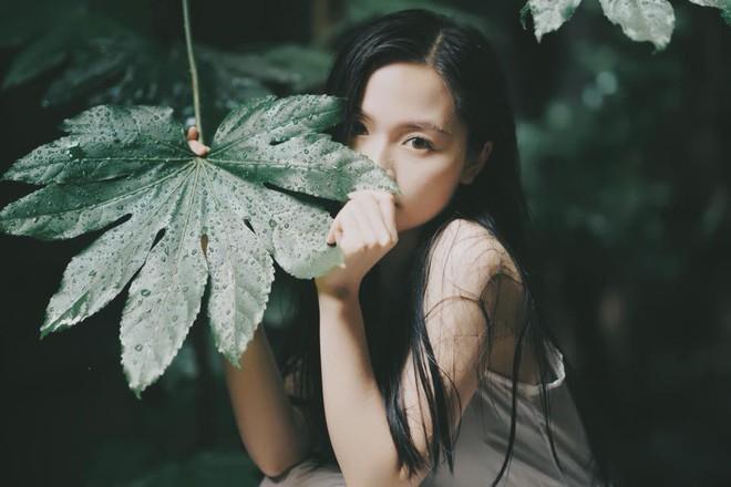 Loanh quanh vườn nhà, nữ du học sinh tại Nhật đã có bộ ảnh mùa hè đẹp như nàng thơ - Ảnh 1.