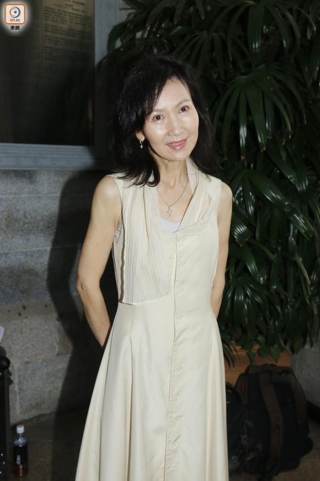 """Sao nam """"Lộc Đỉnh Ký"""" hạnh phúc tổ chức đám cưới ở tuổi 63, dàn sao TVB nô nức tới dự hôn lễ - Ảnh 18."""