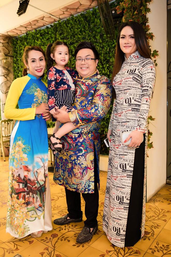 Gia Bảo cùng gia đình tài tử tổ chức minishow kỉ niệm 100 năm Cải lương Việt Nam - Ảnh 8.