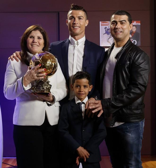 16 câu chuyện tuyệt vời khiến bạn phải có cái nhìn khác về Cristiano Ronaldo - Ảnh 16.