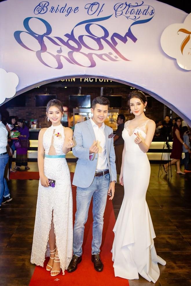 Á hậu Huyền My thả dáng trong trailer phim Myanmar lọt top tìm kiếm  - Ảnh 7.