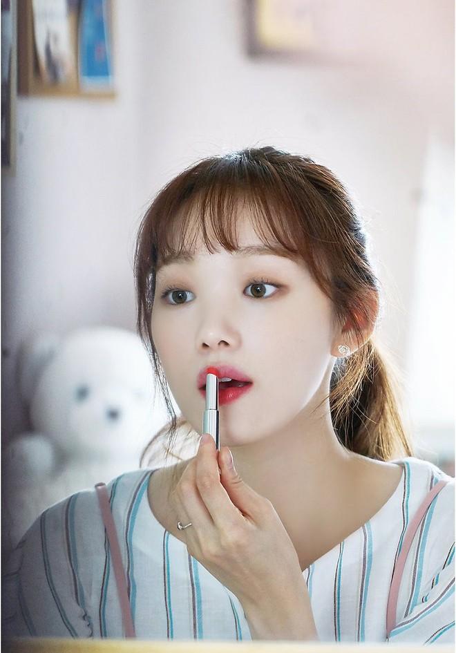 Những thỏi son hot hit đang được 5 sao nữ Hàn sử dụng nhiệt tình trong loạt phim gần đây - Ảnh 2.
