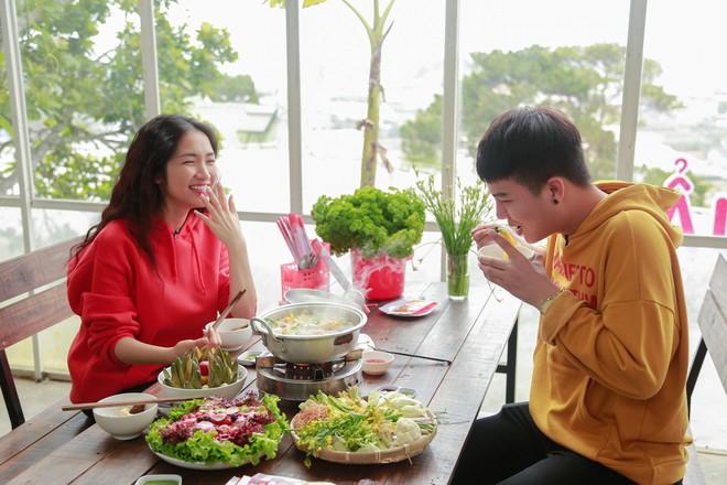 Hòa Minzy - Duy Khánh la hét om sòm khi chơi trò cảm giác mạnh tại Đà Lạt - Ảnh 5.
