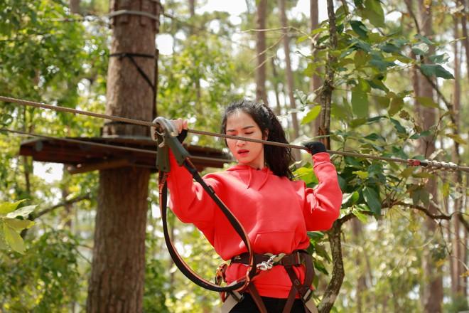 Hòa Minzy - Duy Khánh la hét om sòm khi chơi trò cảm giác mạnh tại Đà Lạt - Ảnh 7.