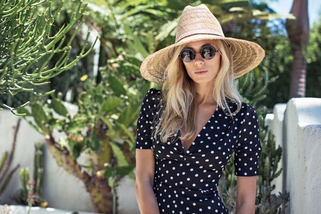 Bảo vệ đôi mắt luôn khỏe mạnh trong mùa hè nhờ thực hiện 6 thói quen này thường xuyên - ảnh 1