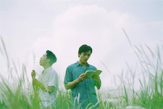 Mùa hè rực rỡ, dịu êm và rất tình của hai chàng trai trong bộ ảnh Theo anh về nhà - Ảnh 8.