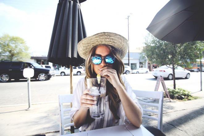 Bảo vệ đôi mắt luôn khỏe mạnh trong mùa hè nhờ thực hiện 6 thói quen này thường xuyên - ảnh 4