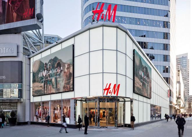 """Trong khi H&M """"chết chìm"""" trong đống hàng tồn kho thì Zara vẫn tăng trưởng vì những lý do này - Ảnh 2."""