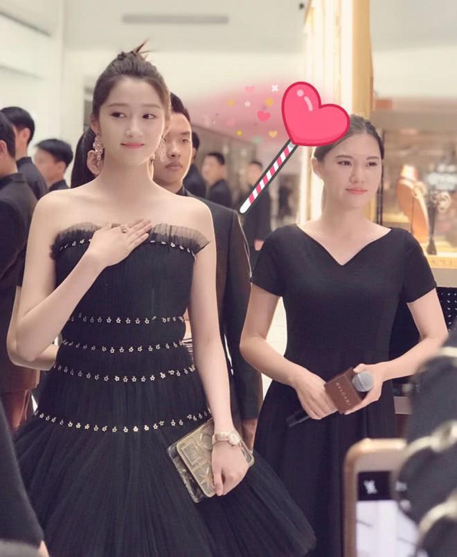 Không cần photoshop, bạn gái Luhan đẹp không tì vết bất chấp cả camera thường - ảnh 8