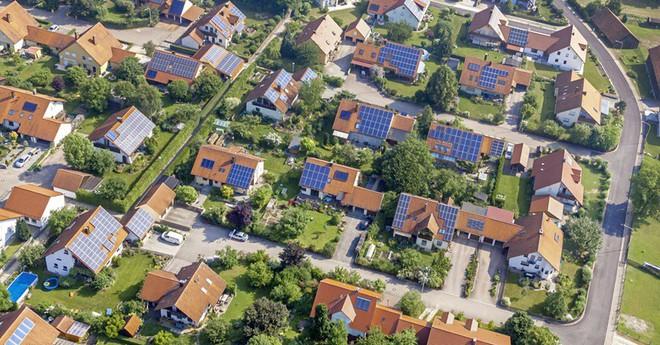 Tạo ra điện miễn phí lại sạch cho môi trường - ưu điểm là vậy nhưng tại sao pin mặt trời vẫn chưa được sử dụng rộng rãi? - ảnh 1