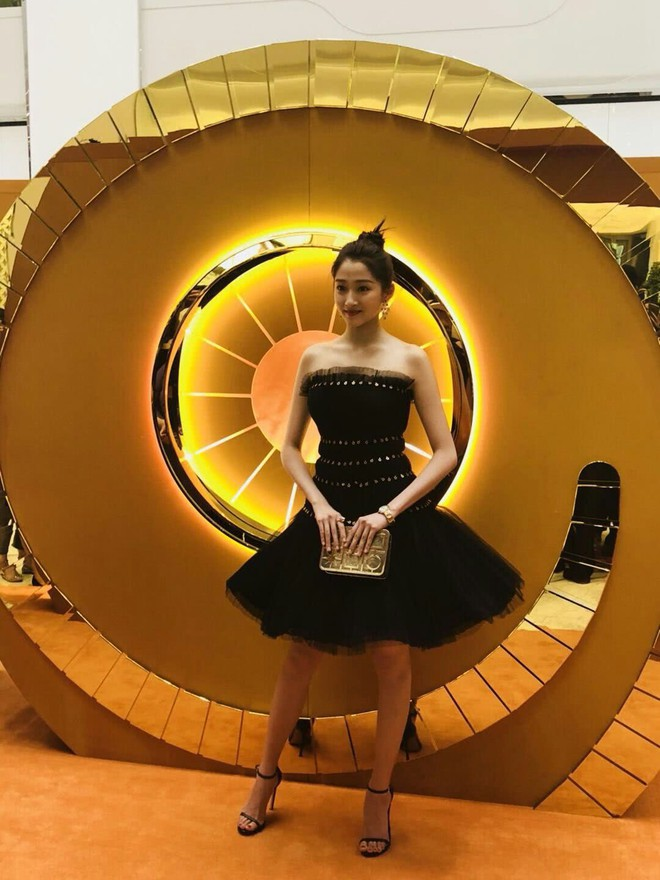 Không cần photoshop, bạn gái Luhan đẹp không tì vết bất chấp cả camera thường - ảnh 14