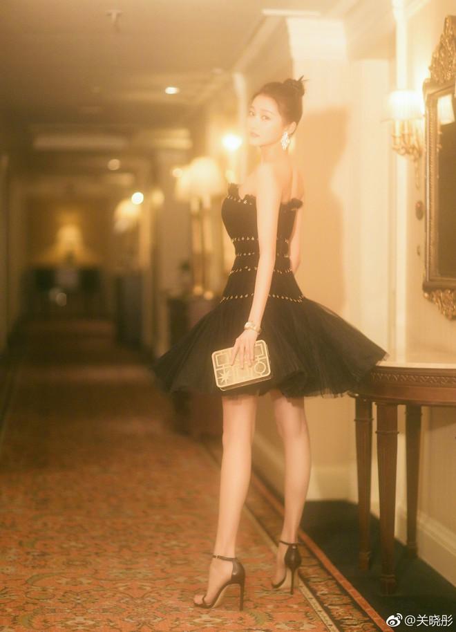 Không cần photoshop, bạn gái Luhan đẹp không tì vết bất chấp cả camera thường - ảnh 1