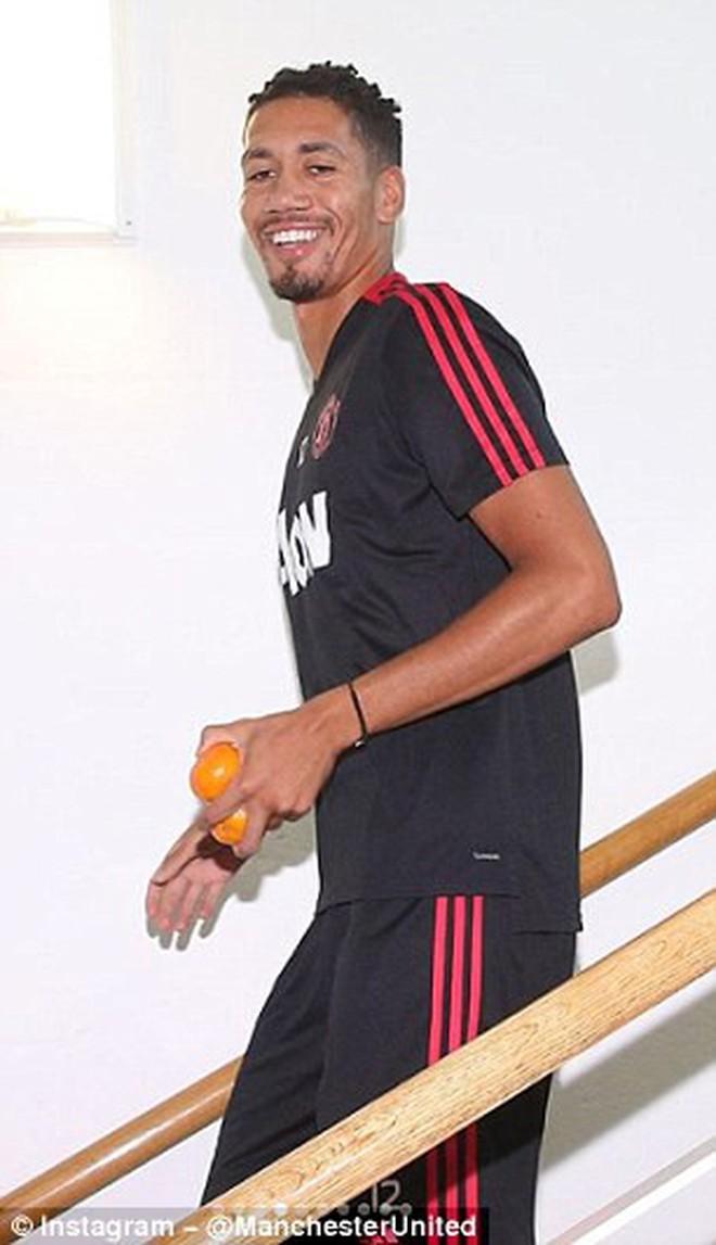 Mourinho trở lại Manchester, chuẩn bị cho mùa giải mới - ảnh 6