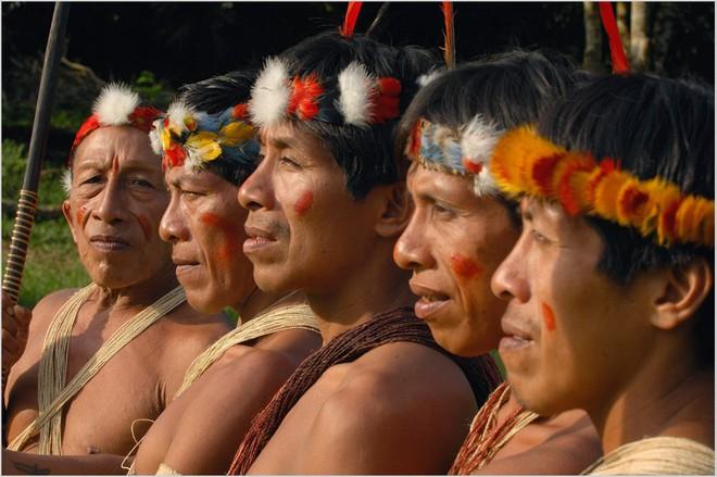 Trên Trái đất vẫn còn các bộ tộc chưa thoát khỏi kỳ đồ đá, và bạn biết họ sống thế nào không? - ảnh 8