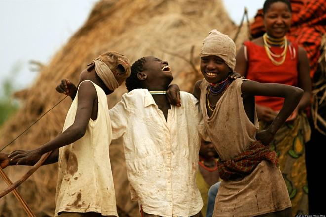 Trên Trái đất vẫn còn các bộ tộc chưa thoát khỏi kỳ đồ đá, và bạn biết họ sống thế nào không? - ảnh 10