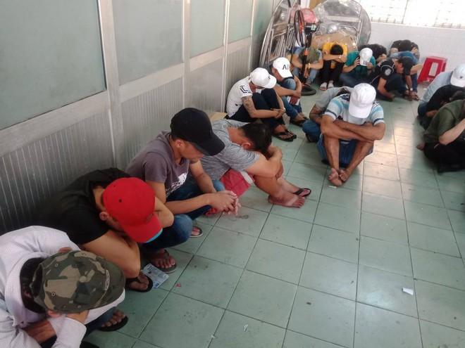 Gần 200 dân chơi nghi phê ma tuý tháo chạy tán loạn ở khách sạn Sài Gòn khi công an ập vào kiểm tra - ảnh 2