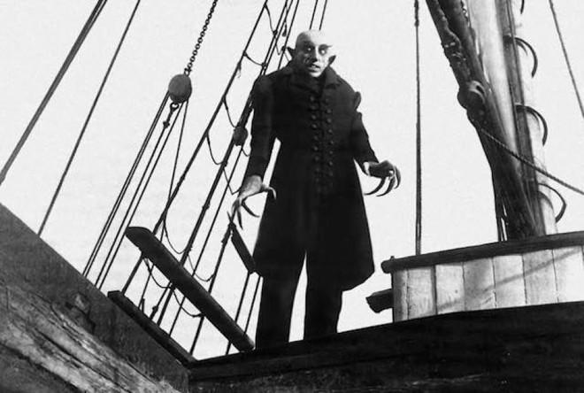 10 phiên bản Dracula đáng nhớ trên màn ảnh: Tạo hình liên tục thay đổi trong suốt 100 năm - ảnh 10