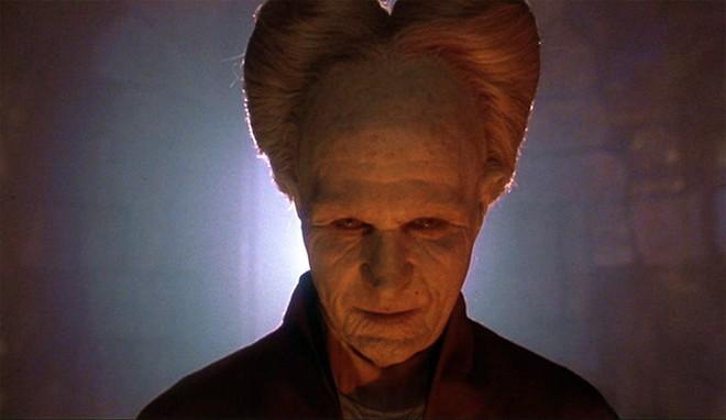 10 phiên bản Dracula đáng nhớ trên màn ảnh: Tạo hình liên tục thay đổi trong suốt 100 năm - ảnh 11