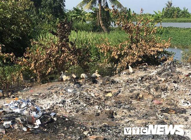 Ảnh: Dân Hải Phòng khốn khổ vì bị khói đốt phế thải công nghiệp bủa vây - ảnh 4