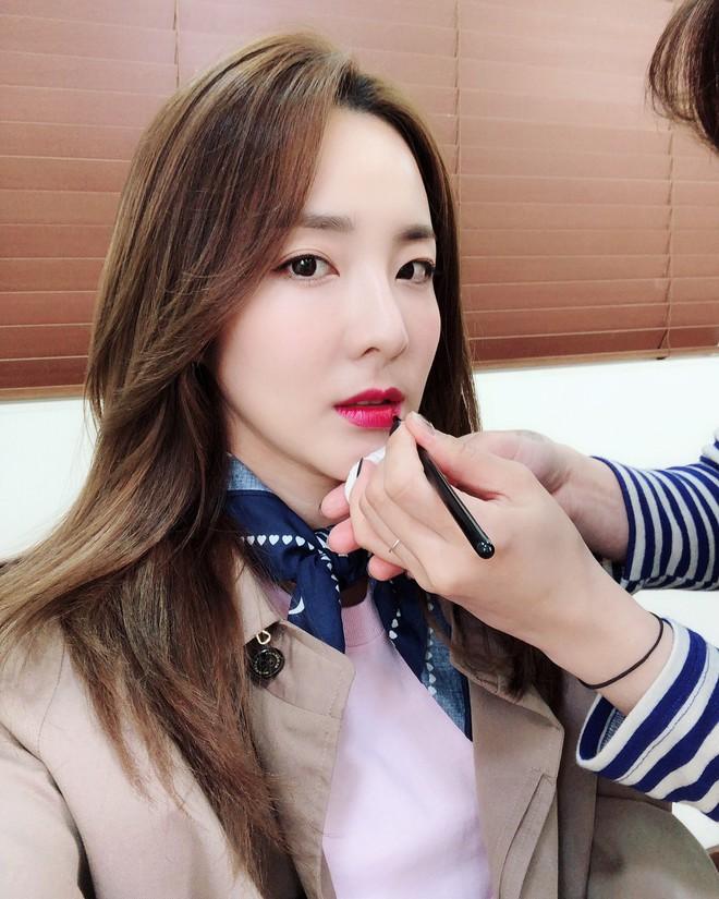Không ngờ người đẹp không tuổi Dara U40 lại có cách níu giữ tuổi xuân đơn giản đến vậy - ảnh 9