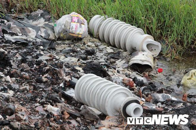 Ảnh: Dân Hải Phòng khốn khổ vì bị khói đốt phế thải công nghiệp bủa vây - ảnh 10