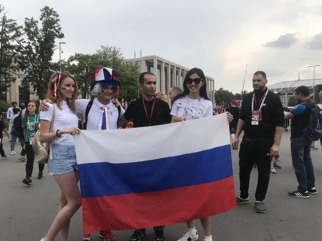 Siêu mẫu Thu Hằng, Á hậu Thanh Tú sang Nga xem chung kết World Cup 2018 - ảnh 3