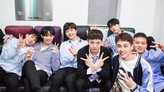 Khi BTS và Wanna One mải tranh nhau top 1, EXO liệu có dần thụt lùi giữa loạt nhóm nhạc nam hot nhất xứ Hàn? - ảnh 5