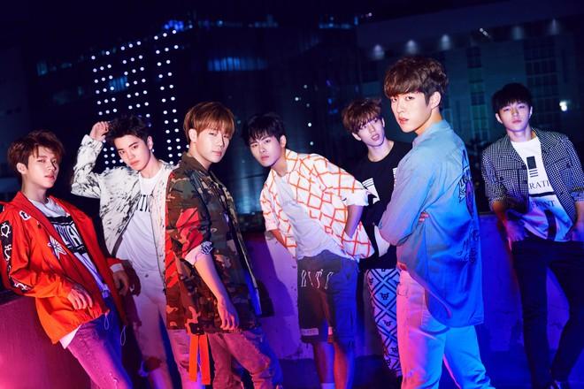 Khi BTS và Wanna One mải tranh nhau top 1, EXO liệu có dần thụt lùi giữa loạt nhóm nhạc nam hot nhất xứ Hàn? - ảnh 8